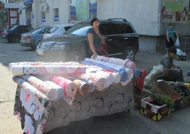 Почти 60 административных нарушений было составлено за торговлю в неположенном месте