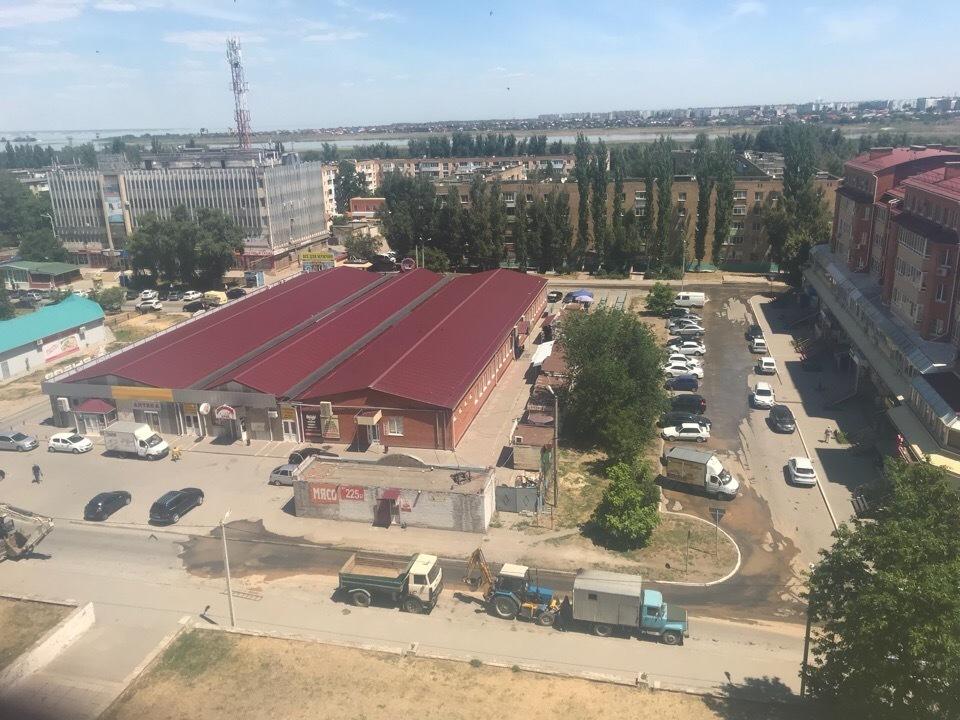 В Волгодонске затопило улицу Ленина