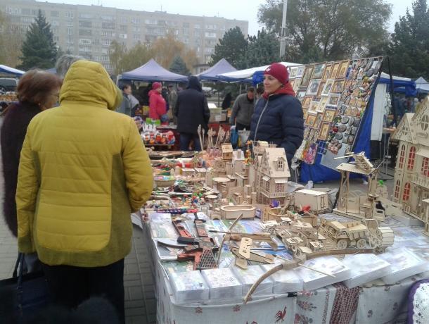 Около 50 тонн сельскохозяйственной и пищевой продукции продали волгодонцам на ярмарке «выходного дня»