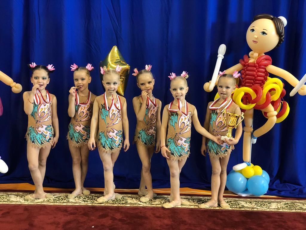 «Золотые» гимнастки из Волгодонска блеснули на первенстве в Элисте