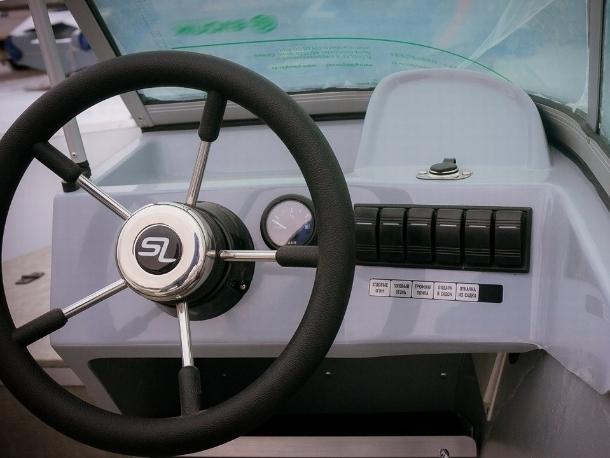 Житель Волгодонска без соответствующего разрешения оказывал платные экскурсии на моторной лодке