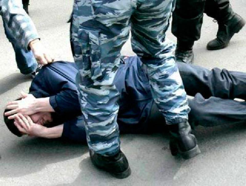 До потери слуха полицейские избили 25-летнего парня из Морозовска