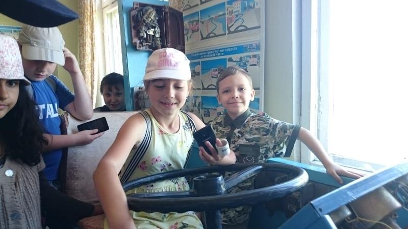 Видеоверсия экскурсии школьников в троллейбусное депо