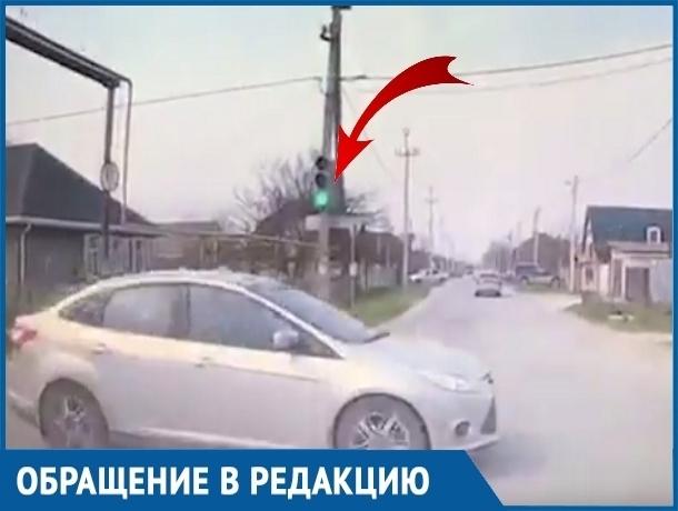 Девушка-автомобилистка из Волгодонска рассказала, зачем на самом деле нужны светофоры