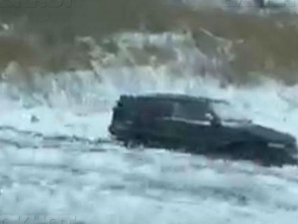 2-летний ребенок пострадал в тройном ДТП на обледенелой трассе Ростов-Волгодонск