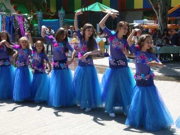 Дворовые игры, шахматный турнир и соревнования велосипедистов: как Волгодонск отмечает День защиты детей