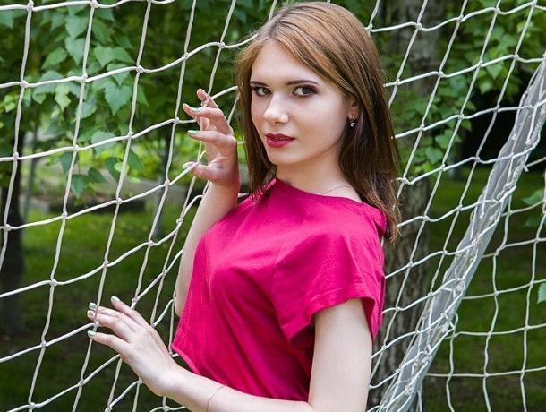 Выигранные 100 000 рублей в конкурсе «Мисс Блокнот» Яна Крупская готова вложить в покупку иномарки