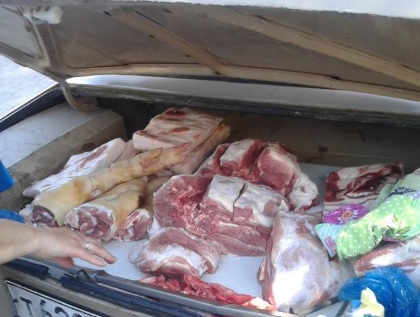 В Волгодонске оштрафовали торгующих опасным мясом из багажника продавцов