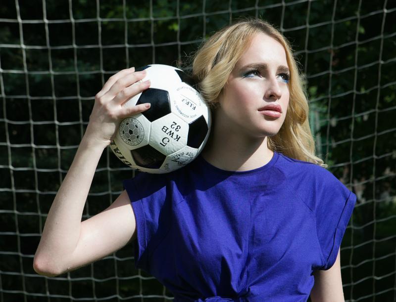19-летняя волгодончанка Снежана Татарская оценила попы футболистов