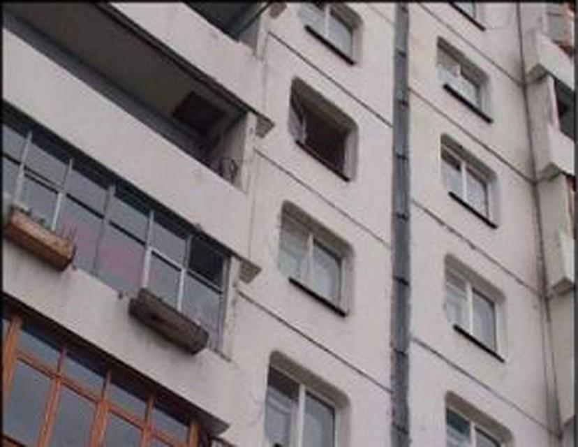 15-летняя волгодончанка упала с окна МКД на В-5